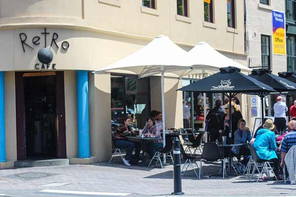 retro-cafe-hobart-tasmania-www-ytravelblog-600x400-cropped