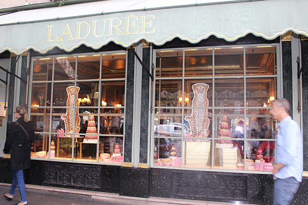 "Alt=""Experience laduree paris"""