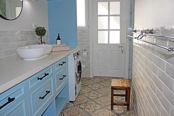 Beautiful classic bathroom Hartley House, Hartley NSW